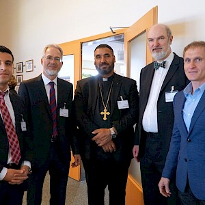 Christof Sauer and Thomas Schirrmacher with guests of the Syrian Orthodox Church © Martin Warnecke/IIRF